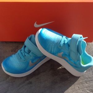 Brand new girls Nike free sneakers.
